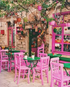 🍵☕ Manager of a Barista? to explore Coffee Shop Decoration & Events Easy Simple Cafe Decor ideas, & insp Outdoor Cafe, Outdoor Restaurant, Outdoor Decor, Cafe Restaurant, Café Design, House Design, Patio Design, Design Ideas, Colorful Cafe