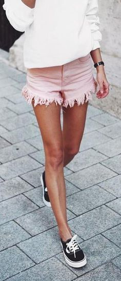 pink shorts. street style.