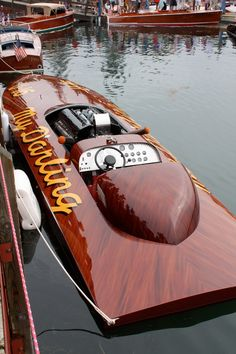 Annual Les Cheneaux Islands Antique Wooden Boat Show, in Hessel, Michigan. My kind of boat ! Ski Nautique, Wooden Speed Boats, Classic Wooden Boats, Classic Boat, Fast Boats, Old Boats, Small Boats, Vintage Boats, Float Your Boat