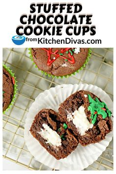 Stuffed Chocolate Cookie Cups are filled with a creamy center surrounded by a wonderful chocolate cookie, decorated as you want. Perfect for any occasion! Homemade Caramel Recipes, Homemade Desserts, Best Dessert Recipes, Sweet Desserts, Delicious Desserts, Chocolate Covered Treats, Chocolate Dipped Fruit, Baking Recipes, Cookie Recipes