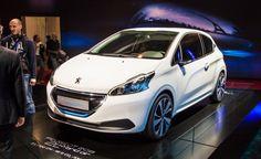 Paris motor show 2014 Peugeot 208 HYbrid Air 2L Concept
