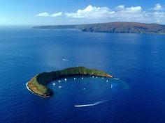 Molokini Crater // Hawaii