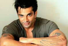 #QuboolHai: Karan Singh Grover aka Asad is scared of his Real Father. Click here to know more -  http://www.youtube.com/watch?v=ByL6tAHeSOc