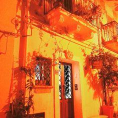 Luci della sera al B&B Chianalea 54 di #scilla