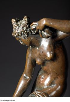 Workshop of Giambologna (1524 - 1608), Venus after the Bath.  Florence, late 16th century. Small bronze. Height: 13.61 cm Height: 24.8 cm, with socle. -The Wallace Collection-