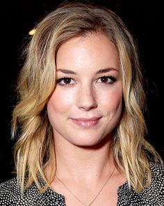 Image from http://img2.timeinc.net/instyle/images/2012/GALLERY/060512-Emily-VanCamp-400.jpg.