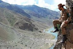 What a style man. Love Pakistan Army.