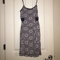 NWT Summer spaghetti strap dress Light, perfect for spring or summer spaghetti strap dress. Straps are adjustable. There is also an elastic/stretch on the back of the dress (see 3rd picture). Mossimo Supply Co. Dresses Midi
