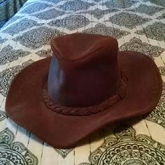 Minnetonka, floppy, suede, festival hat Really cute Minnetonka suede hat. Great boho look. Open to offers:) Minnetonka Accessories Hats