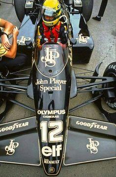 1985 Portuguese GP, Estoril : Ayrton Senna, Lotus-Renault 97T #12, JPS Team Lotus, Winner. (ph: sharonov.com)