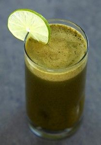 Green Lemonade - 3 cups spinach, juice from 2 limes, 1 cucumber peeled and sliced, 1 apple, 1 pear, 1 tsp lime zest, 1 tbsp honey