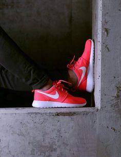I love those sneakers - Nike Roshe