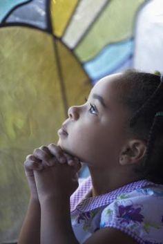 Temas de iglesia para retiros juveniles | eHow en Español
