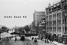 nog een keer Gerzon, maar nu van de andere kant  We zien hier de trams, vlak langs Van Nelle, om de hoek komen vanuit de Witte Leeuwenstraat, op weg naar de halte voor Gerzon.