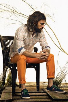 I love his orange pants. And his beard. aNd his shoes