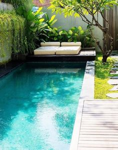Everyone enjoys luxury swimming pool layouts, aren't they? Right here are some top checklist of high-end pool image for your inspiration. These dreamy pool design concepts will change your backyard right into an outside sanctuary. Small Swimming Pools, Small Pools, Swimming Pool Designs, Lap Pools, Indoor Pools, Small Pool Ideas, Small Decks, Small Yards, Indoor Swimming