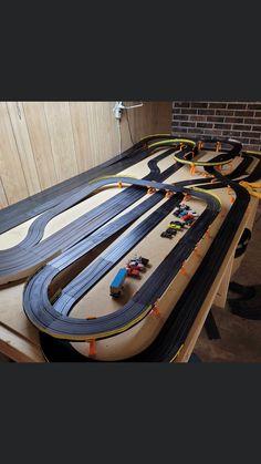 Slot Car Race Track, Ho Slot Cars, Slot Car Racing, Slot Car Tracks, Kart Parts, Small World, Model Trains, Airplanes, Layouts