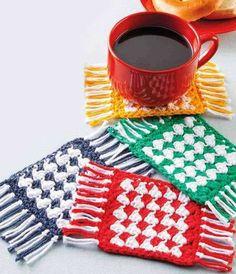 The Mug Rug Pattern by Carpe Lana – Kimmie's Crochet Crochet Gratis, Free Crochet, Knit Crochet, Dishcloth Crochet, Crochet Mug Cozy, Crochet Potholders, Thread Crochet, Crochet Kitchen, Crochet Home