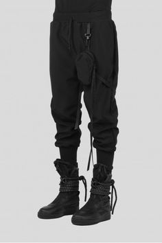 LOWTECH Tactical pants with detachable pocket Elastic waistband Made In Italy Dark Fashion, Mens Fashion, Fashion Outfits, Minimal Fashion, Fashion Ideas, Fashion Trends, Look 2015, Sims4 Clothes, Tactical Pants
