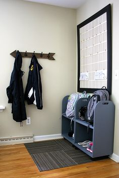 By redressing a corner near the door, you can create an organized area with both function and fashion!