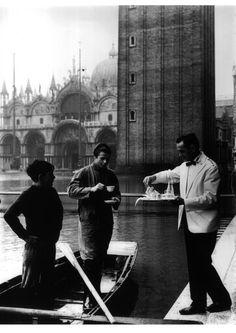 Acqua alta, piazza San Marco, service au Florian