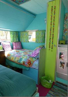 Vibrant vintage trailer interior. Do you think the guys would let me?