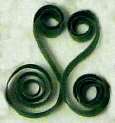 quilling kissing s-scroll