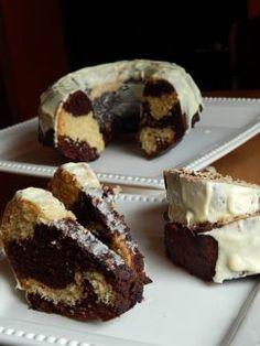 Kókuszos kuglóf - Süss Velem Receptekkeresés Hungarian Desserts, Hungarian Recipes, Cookie Recipes, Dessert Recipes, Ring Cake, Savarin, Sweet Cakes, Cake Cookies, Sweet Recipes