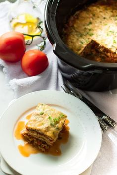 Slow Cooker Zucchini Lasagna --- from PRIMAVERA KITCHEN ---This lasagna is going to become your favourite lasagna recipe not only because I used zucchini instead of noodles, but also made in the slow cooker. Vegetarian Crockpot Recipes, Healthy Slow Cooker, Easy Soup Recipes, Slow Cooker Recipes, Crockpot Meals, Healthy Recipes, Healthy Foods, Healthy Eating, Crockpot Dishes