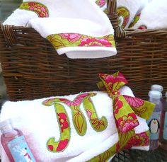 by Baileywicks on Etsy Bathroom Towels, Kitchen Towels, Bath Towels, Monogram Towels, Diy Monogram, Sewing Tutorials, Sewing Projects, Monograms, Bathroom Ideas
