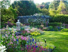 hamptons summer garden
