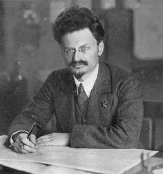 Lev Davídovich Bronstein, más conocido como Trotsky. (1879-1940)