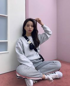 (unofficial face claim: Blackpink J. Blackpink Jisoo, Kim Jennie, Kpop Girl Groups, Kpop Girls, Black Pink ジス, Ft Tumblr, Pinterest Instagram, Blackpink Members, Blackpink Photos