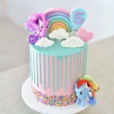 It has been a weekend full of rainbows 🌈. A my little pony cake for Isabella's birthday. Small details as requested by the birthday… My Little Pony Party, Bolo My Little Pony, Fiesta Little Pony, Cumple My Little Pony, Little Girl Birthday Cakes, Toddler Birthday Cakes, Small Birthday Cakes, 5th Birthday, Cake Birthday