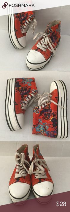 Urban Outfitters BDG floral shoes Excellent condition. Urban Outfitters BDG floral platform sneakers shoes. Size 40. Offers are welcome, no trades.                                                                IL57 Urban Outfitters Shoes Sneakers