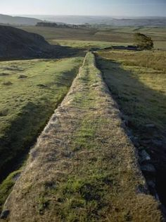 Photographic Print: An Elevated View of Hadrians Wall Poster : 16x12in