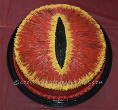 Lord of the Rings – Eye of Sauron Cake... This website is the Pinterest of birthday cake ideas