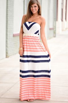 Head over heels in L-O-V-E with this maxi! The navy and coral color combo is perfection!