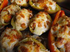 As receitas lá de casa: Pimentos e batatas recheadas com atum