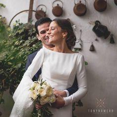 Felicidad. AinaraPatri #wedding #weddingdress #españa #villanuevadelosinfantes #boda #smile #love #instalove #couple #bride #grom #weddingphotos #fotografia #fotosdeboda #tonyromero #tonyromerophotographer #mywork #nofilter