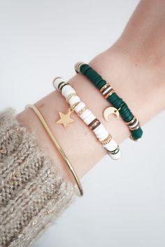 Handmade Jewelry Bracelets, Bijoux Diy, Beaded Jewelry, Beaded Bracelets, Jewellery Diy, Embroidery Bracelets, Handmade Beads, Jewelry Necklaces, Bracelet Designs
