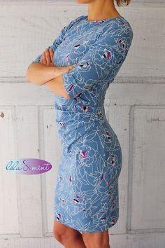 Ich habe mittlerweile mehr Selbstgenähtes im Schrank als Gekauftes. Von diesem Kleid hätte ich am liebsten 50 verschiedene Varianten! Die Suzinka ist und bleibt mein absoluter Lieblings-Kleider-Sch…