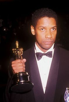 Denzel Washington with Oscar for Glory