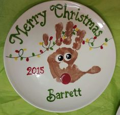 Super cute reindeer plate personalized in our shop at Unpluggits Playstudio. Class Christmas Gifts, Christmas Crafts For Kids To Make, Preschool Christmas, Christmas Plates, Toddler Christmas, Homemade Christmas Gifts, Christmas Activities, Kids Christmas, Holiday Crafts