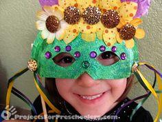 Mardi Gras Mask Paper Plate Craft from ProjectsforPreschoolers.com