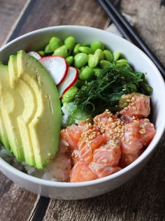 Favv kind of poké bowl I Love Food, Good Food, Yummy Food, Healthy Snacks, Healthy Eating, Healthy Recipes, Food Bowl, Food Trends, Mets
