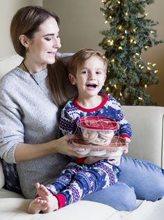 Holiday treat packs made with Rubbermaid® Holiday TakeAlongs®