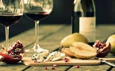 Wine and cheese are commonly linked, whether as an appetizer at a dinner or the main event at a cocktail party. Malbec Wine, Wine Baskets, Red Wine, Alcoholic Drinks, Appetizers, Cheese, Dinner, Recipes, Entertaining