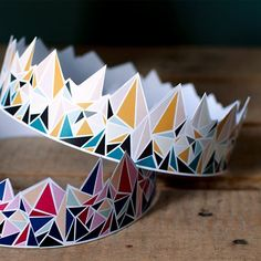 Printable geometric crowns! (via Mamie Boude) (In French)