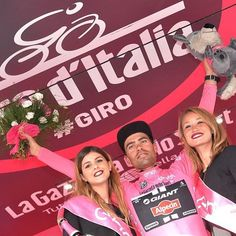 Giro d'Italia 2016 General classification after stage 7 // 1° Tom Dumoulin (Ned) Team Giant-Alpecin 29:23:23 - 2° Jakob Fuglsang (Den) Astana Pro Team +0:00:26 - 3° Ilnur Zakarin (Rus) Team Katusha +0:00:28 //